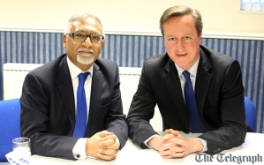 Amjad Bashir and David Cameron in Witney Photo: Will Wintercross/The Telegraph